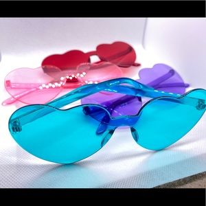 Trendy, Rimless Candy Heart Sunglasses ! 🕶🌈